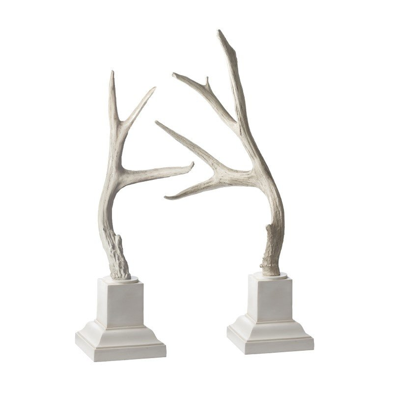 Dimond Home Weathered Resin Buck Antlers On White Base (Set of 2) (225019)