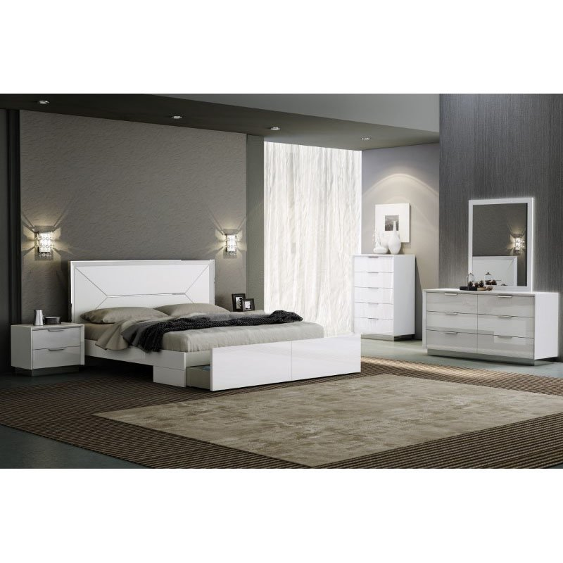 HomeRoots Furniture Bed King, High Gloss White, White Faux Leather Headboard (320673)