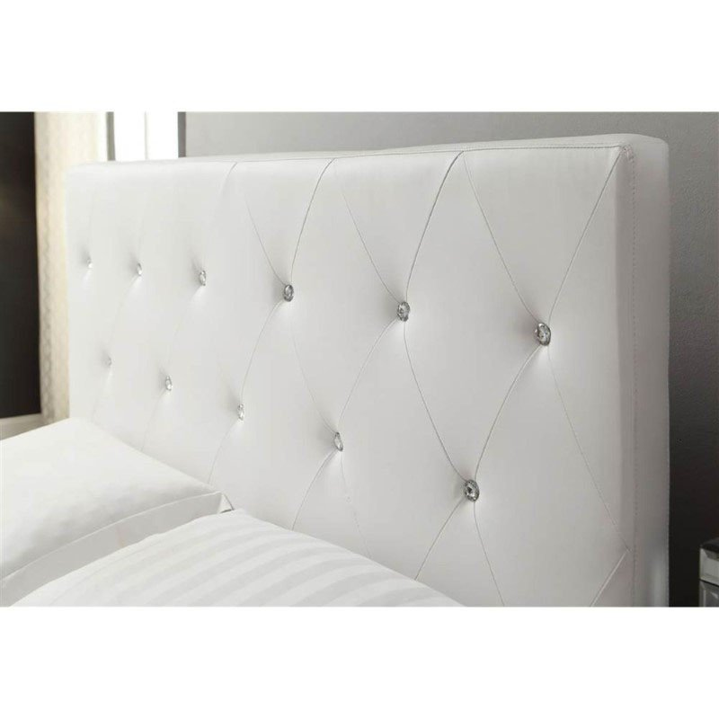 HomeRoots Furniture Modern Tufted Bed with Upholstered Headboard (289351)