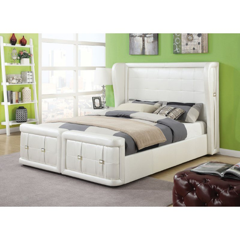 HomeRoots Furniture Queen Bed in Pearl White PU, CA Foam (TB117) (285566)