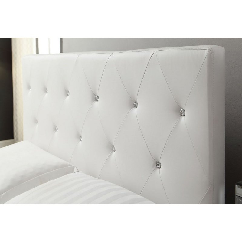 HomeRoots Furniture White Tufted Storage Bench (248052)
