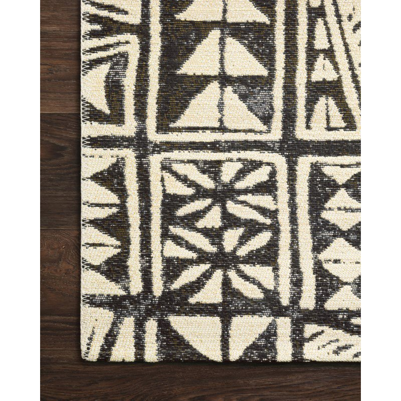 "Loloi Mika MIK-03 Indoor/Outdoor Power Loomed 2' 5"" x 7' 8"" Runner Rug in Ivory and Black (MIKAMIK-03IVBL2578)"