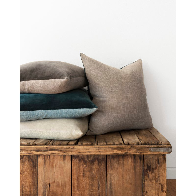 """Loloi P0737 Pillow 22"""" x 22"""" Cover Only in Sage and Sage (P024P0737SGSGPIL3)"""