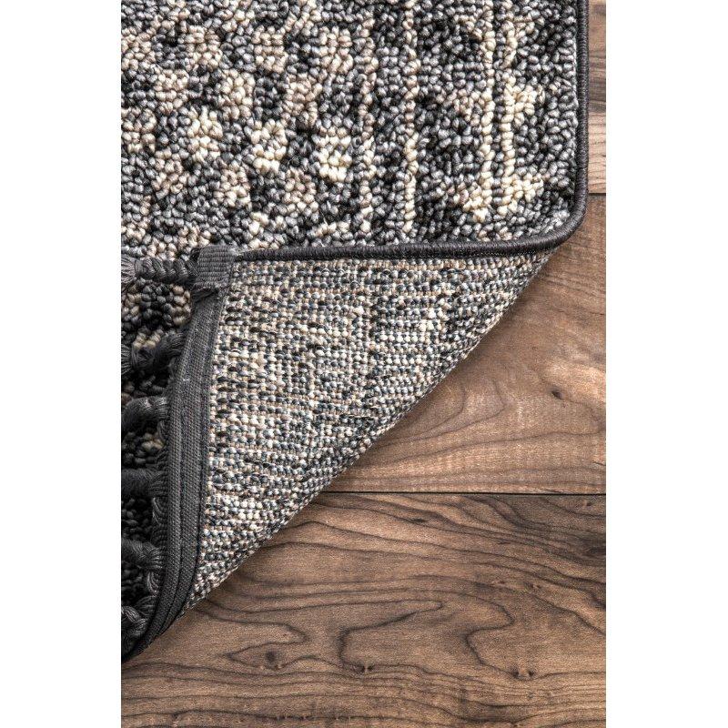 nuLOOM Claudia Diamond Tassel 4' x 6' Rectangle Rug in Ivory Multi (STGL03B-406)