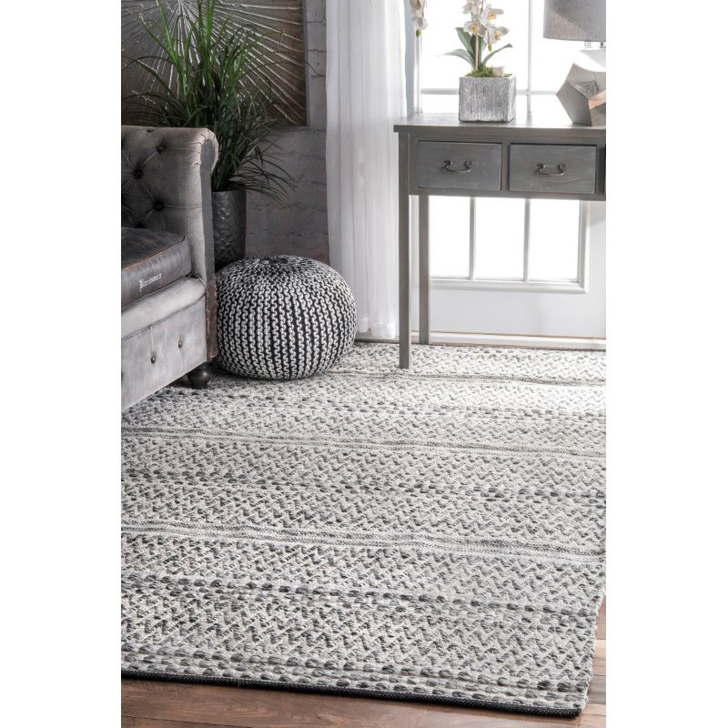nuLOOM Natosha Indoor/Outdoor Chevron Striped 6' x 9' Rectangle Rug in Silver (VEME01A-609)