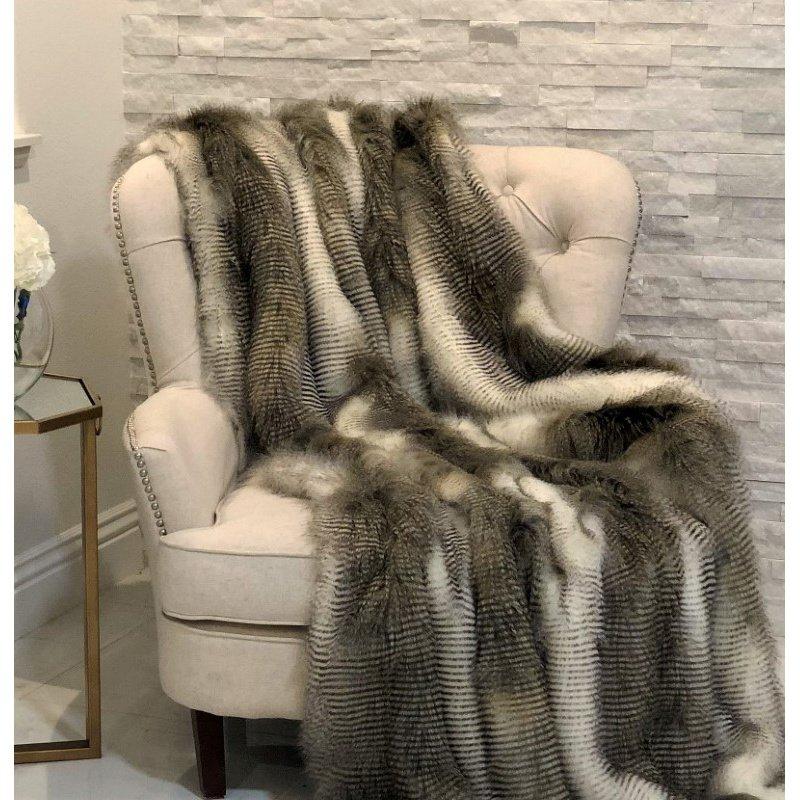 """Plutus Brands Alaskan Hawk Handmade Luxury Throw 60""""W x 96""""L (PBSF1408-6096-TC)"""