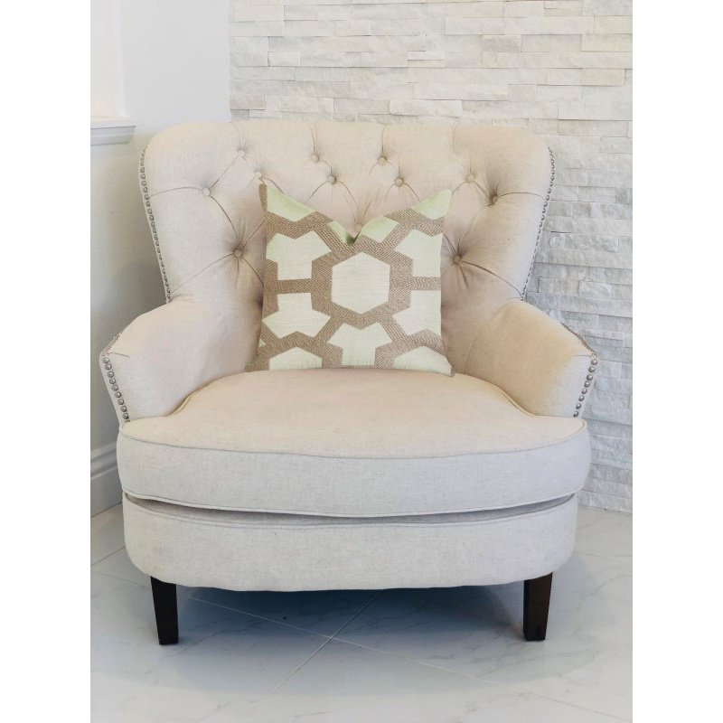 """Plutus Brands Linked Charisma Luxury Throw Pillow in Beige and Brown Tones Pillows 22"""" x 22"""" (PBRA1389-2222-DP)"""